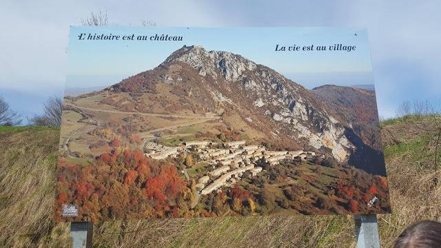 castillo de Montsegur pueblo