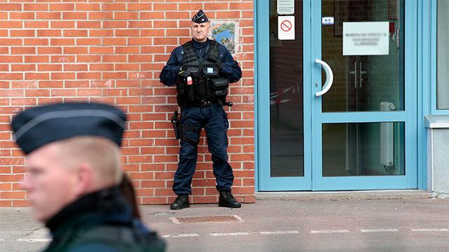 Evacúan un centro comercial en el norte de Francia por una falsa alarma