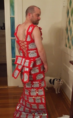crochet with beer cans and wear it