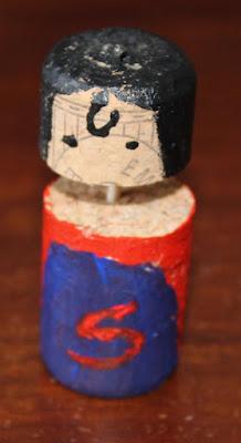 Superman, otro superhéroe que se apunta a jugar al tres en raya