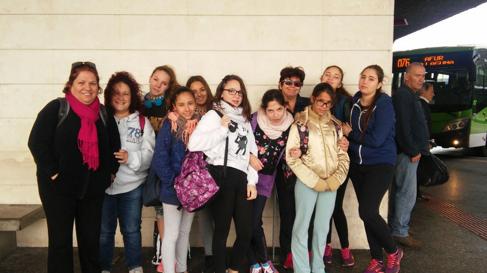 Mujeres Solteras Santa Cruz de Tenerife con HombresalaCarta