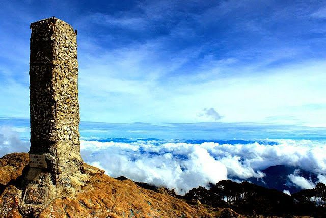 foto puncak gunung latimojong sulawesi