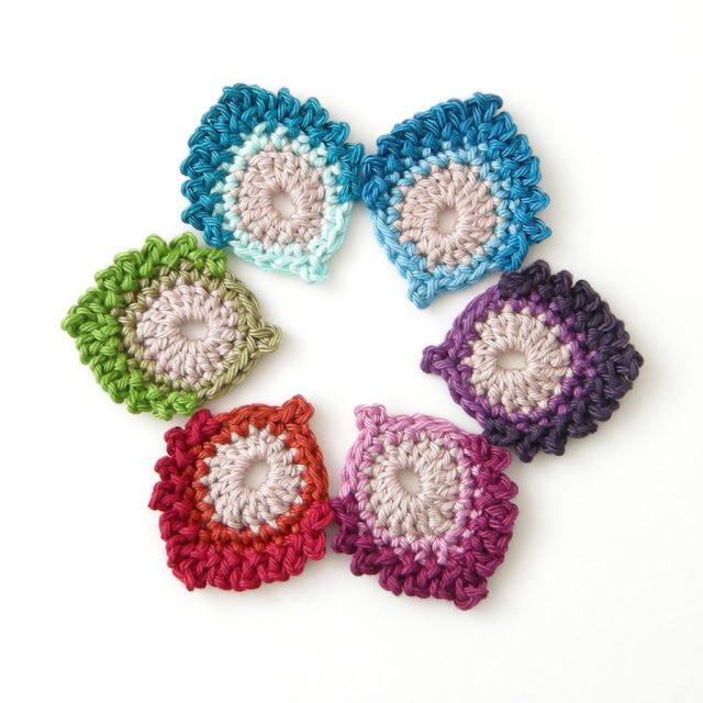 free crochet pattern coaster peacock feather thecuriocraftsroom the curio crafts room