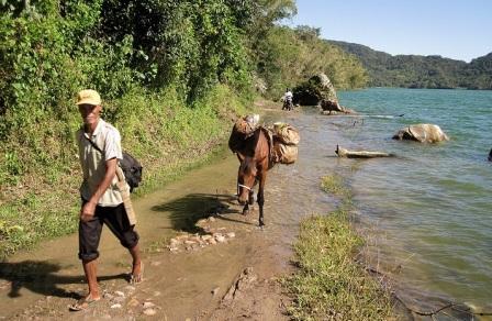 Kegiatan Saat Berada di Danau Sano Nggoang
