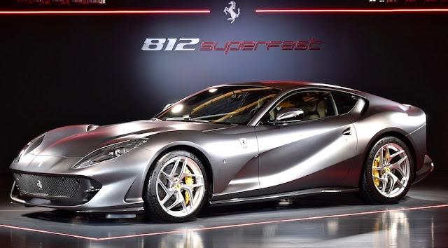フェラーリの新型V12モデル「812スーパーファスト」を日本初披露!価格は3910万円に。