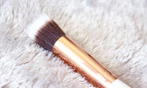 Brocha mofeta para base de maquillaje