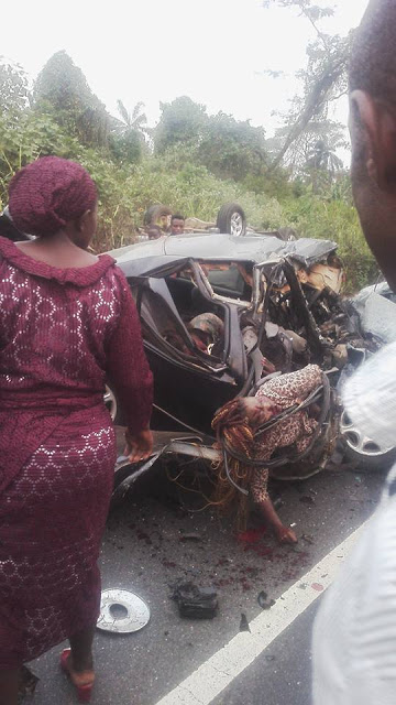 Graphic Photos 4 Dead In In Car Accident On AkureIlesa