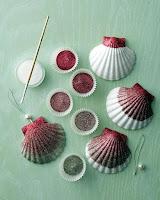 Manualidades : conchas pintadas a mano BRILLANTINA