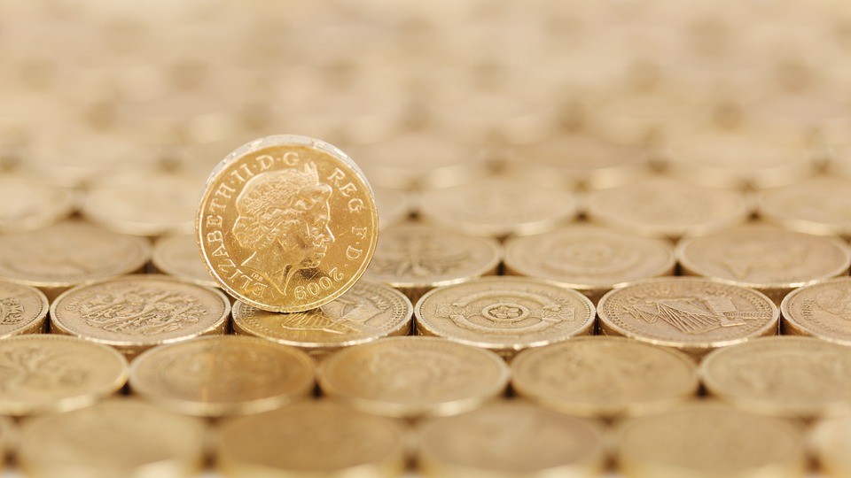Top Money Saving Tips And Tricks To Save Some Pounds