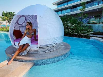 Giovanna Lancellotti aproveita o clima quente de Dubai — Foto: Arquivo pessoal