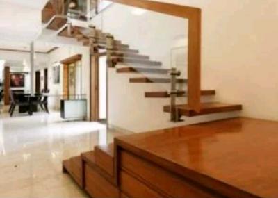 tangga kayu jati