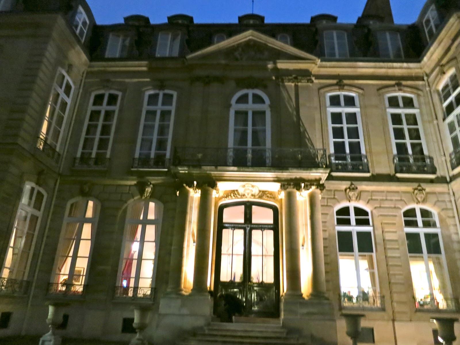 ... la France de BACKES and STRAUSS London ..Une réception a eu lieu a l   AMBASSADE De GRANDE BRETAGNE pour annoncer cette Collaboration en présence  de ... 8c0186c3c730