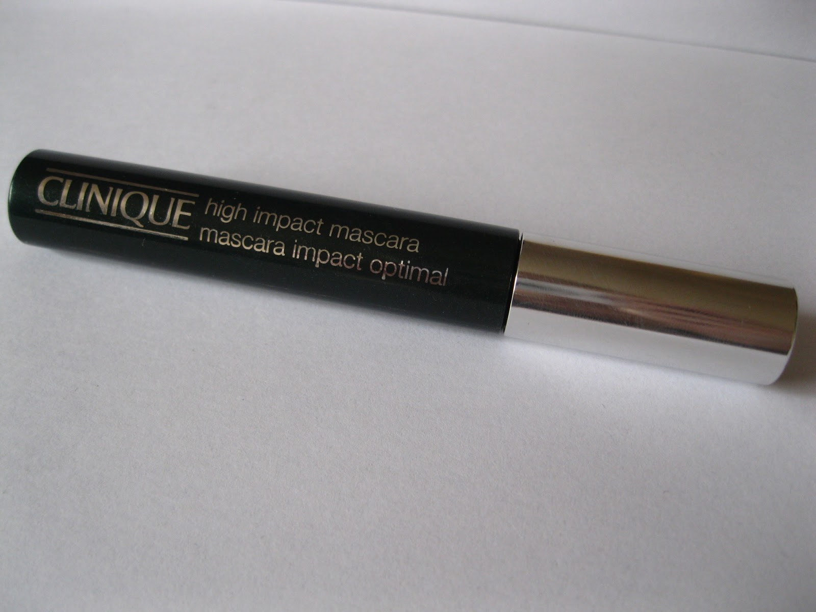 012abe10078 The 'stuff' in question is Clinique high Impact Mascara and I do in fact  have quite a lot of love for it.