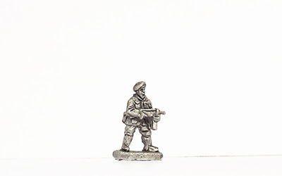 KBR18   Commando, standing, hip firing SMG