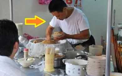 Pemuda Ini Selalu Beli Nasi Putih Saja, Pemilik Warung Diam Diam Memberi Ini?