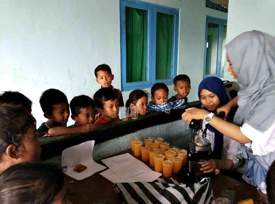 peras jeruk segar fun education outbond anak