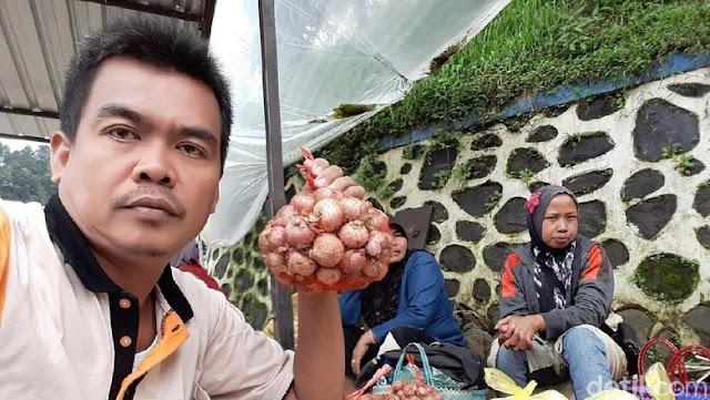 Subkhan Petani Bawang Bakal Polisikan Guntur Romli dan Profesor
