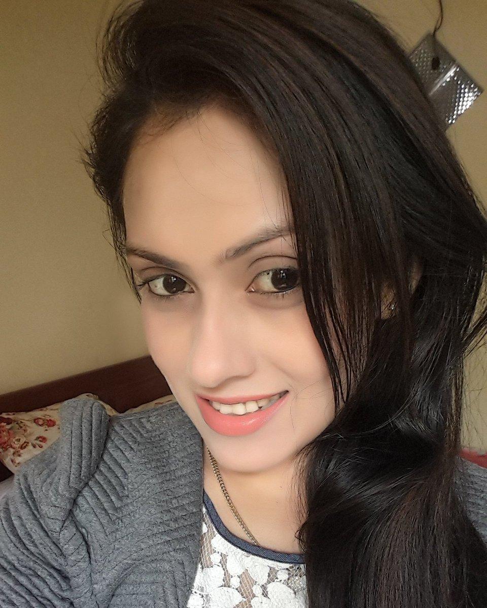 Actress & Models: Himaya Bandara