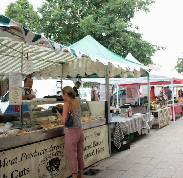 Berkhamsted farmer's market is held on a Sunday once a month right on the high street.  Perfect for finding fresh and locally made produce