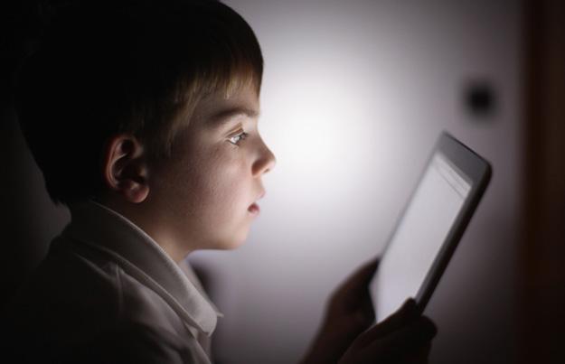 pericolele la care se expun copiii care petrec timp pe tableta