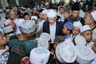 Pendidikan Berimbang dan Pesona Seribu Masjid