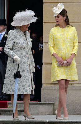Imagini pentru queens in yellow