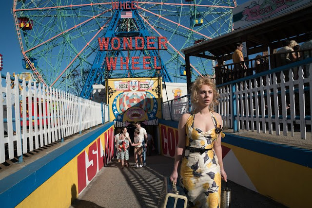 Juno Temple (Carolina) perdue dans Coney Island