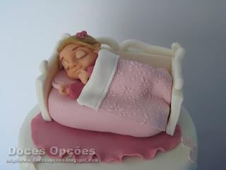 bolo menina dormir cama bebé