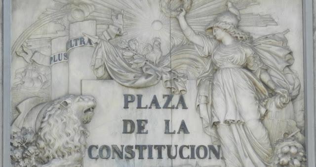 Constitucion y Derecho Constitucional