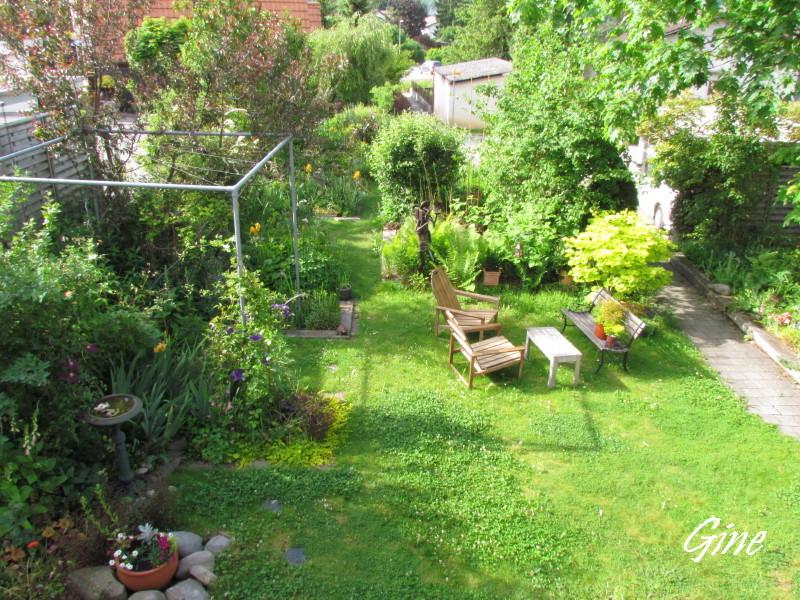 Au jardin de gine le bouquet du d sastre - Doit on dormir la tete au nord ou au sud ...