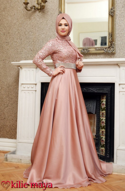 Fashionable Evening Hijab Dresses For