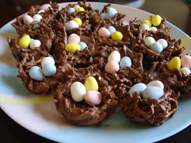 Easter bird's nests via Stilettos and Diapers