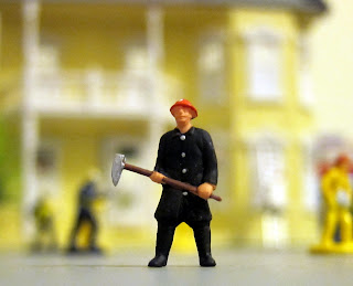 HO Scale firefighter figures
