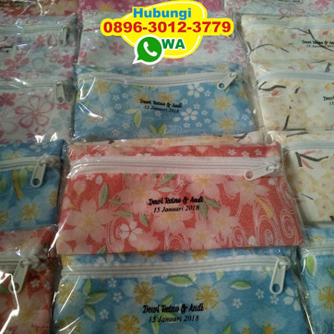souvenir pernikahan dompet make up 51720
