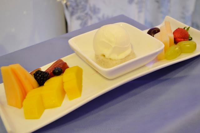 Tapai ais krim bersama buah-buahan