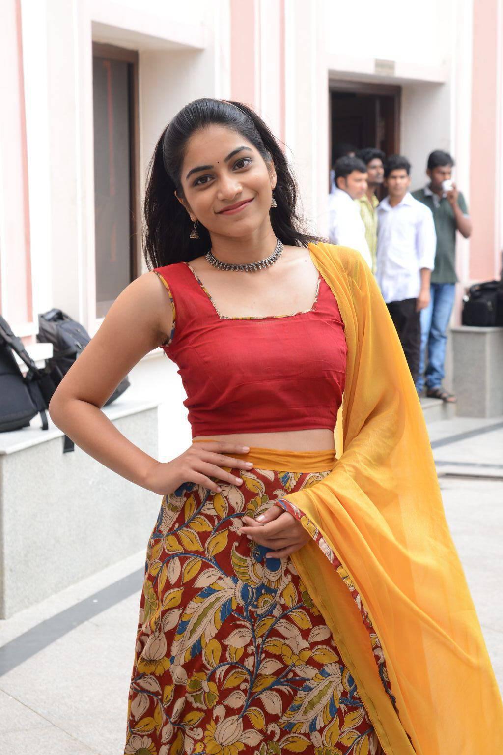 Tollywood Actress Punarnavi Stills In Red Langa Voni