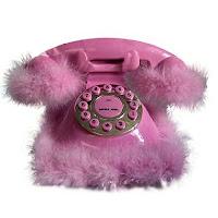 Un centre d'appel recrute des filles pour une ligne rose !