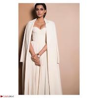 Sonam Kapoor Looks ravishing in a Deep neck Cream Gown ~ CelebsNet  Exclusive Picture Gallery 006.jpg