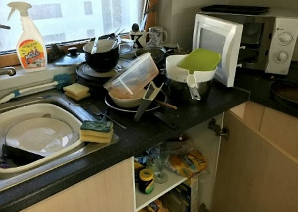 Gorgeous Teen Wins £500 for Having Britain's Most Disgusting Student House