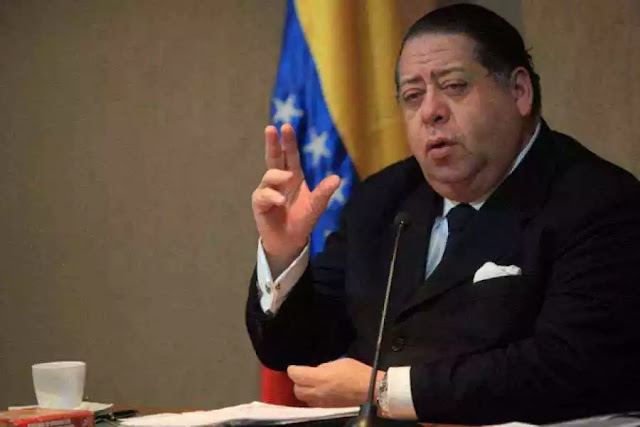 Nueva Constitución está redactada en 80%, según Hermann Escarrá