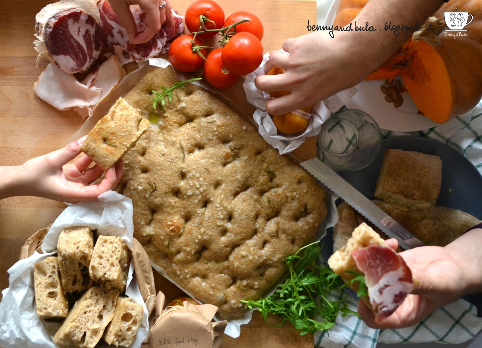ricetta focaccia semi integrale alta e soffice a lievitazione naturale, con lievito madre liquido o licoli/ soft pizza recipe whole wheat and wild yeast or liquid starter