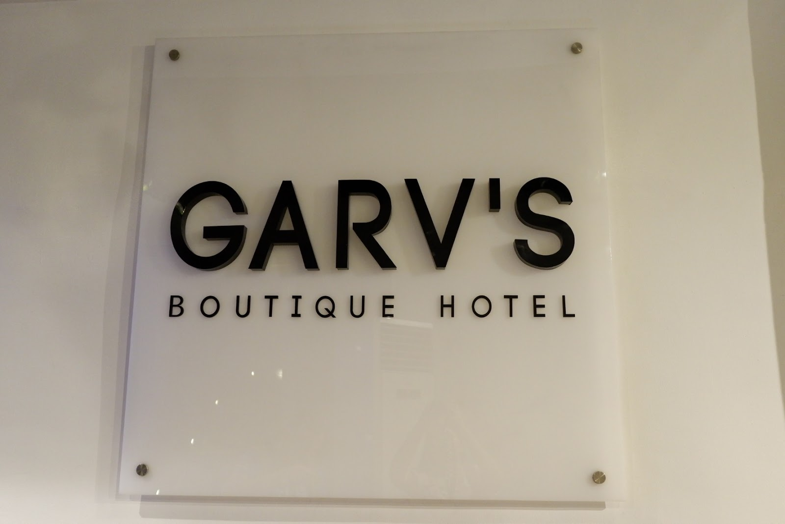 Simple hotel feel here at Garvs Boutique Hotel Room