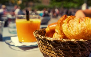 Wallpaper: Croissant and natural orange juice