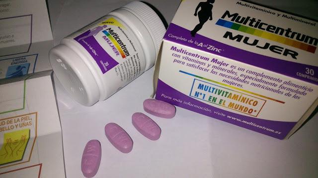 Multicentrum, vitaminas y minerales para salud de mujer.