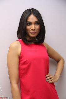 Spatika Surapaneni in Red Tight Dress at FBB Miss India 2017 finalists at Telangana auditions Feb 2017 (65).JPG