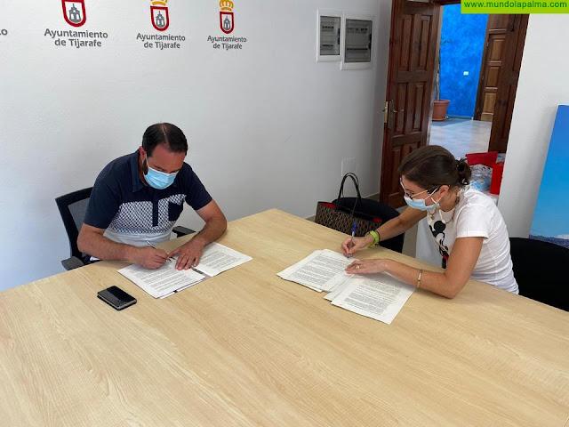 Tijarafe y Caixabank firman un convenio para facilitar las gestiones tributarias a los vecinos