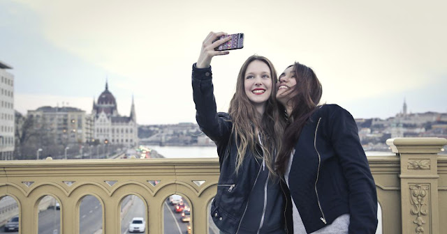 The most beautiful and dangerous 10 Selfies in the world