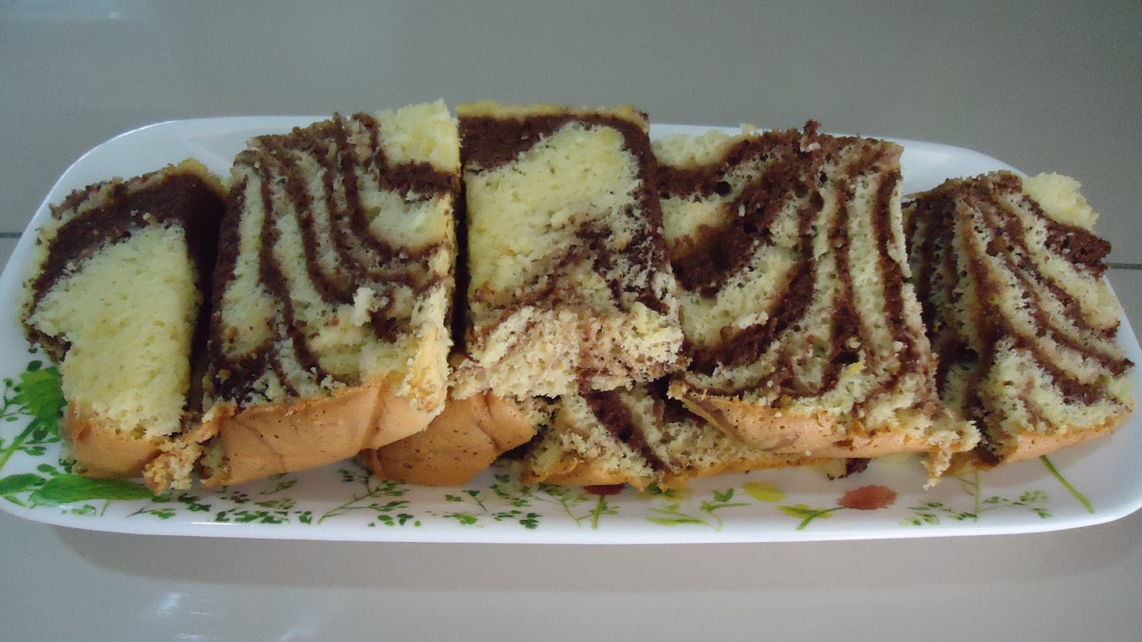 Zara baking orange chocolate sponge cake for Chocolate sponge ingredients