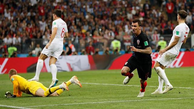 Mario Mandzukic mencetak gol saat Kroasia vs Inggris di Piala Dunia 2018