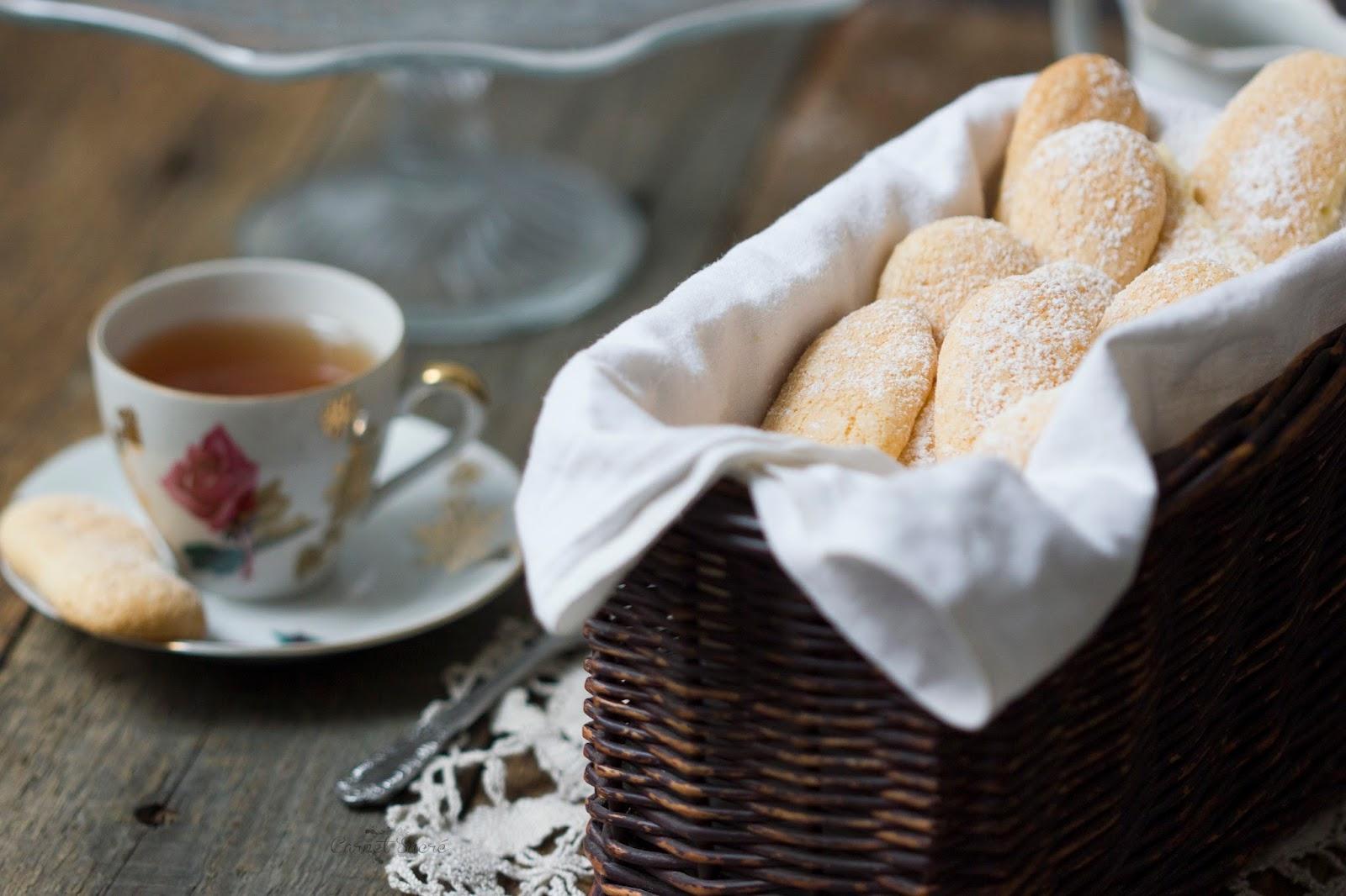 http://carnet-sucre.blogspot.com/2017/02/biscuit-cuillere.html